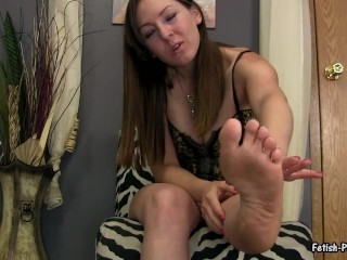 Fetish Princess Kristi Degrades and Humiliates Losers with Her Dirty Feet