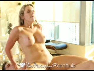 HD PureMature - Courtney Cummz orgasms from her hardcore massage