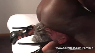 Elderly white man worships a black woman ebony lick-pussy feet cunilingus domination femdom kink amateur shaved slave interracial foot-worship fetish shesboss facesitting high-heels