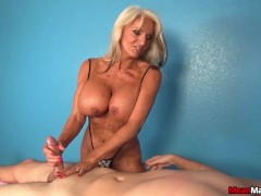 Experienced Lady Domin... video