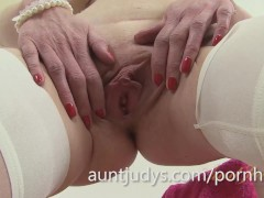 Slender milf scarlet gets naked and masturbates