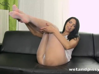 Busty Kira Queen pisses through her pantyhose