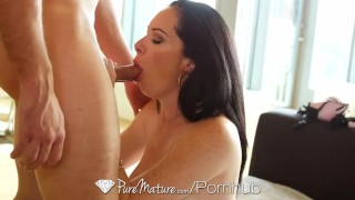 Mature Bella Maree gets her dripping pussy fucked - PureMature