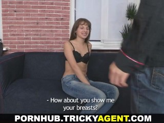 Tricky Agent - A girl rescued from the rain gets seduced! - Title on the code