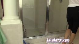 Lelu Love-Pee Desperation In Leggings
