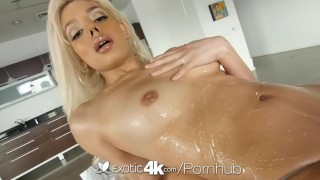 Exotic4K - Sexy blonde Valentina Paradis gives nuru massage