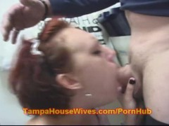 Teen Housewife suck the Delivery Boy