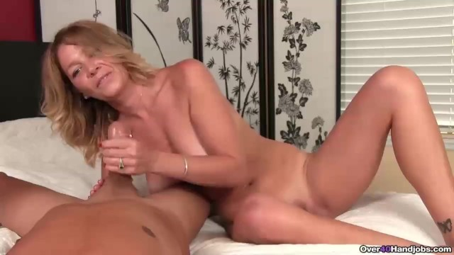 Know big butt naked over 40 juicy pussy