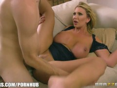 Big boobed milf Leigh Darby gets pounded - Brazzers