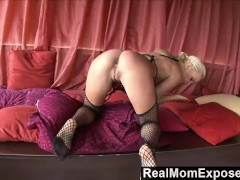 RealMomExposed – She Squirts, She Sucks And She Fucks