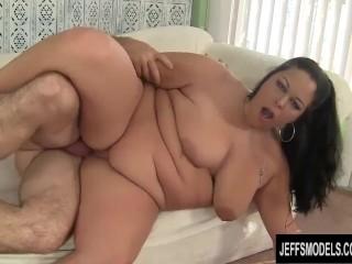 Brunette fatty aire fresco loves fat dick 7