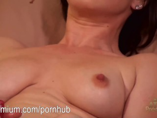 Jennifer White getting in some masturbation in before work