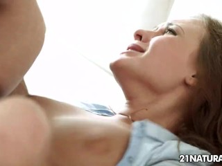 Biker guy fucks Katarina Muti