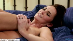 April O'Neil Tribs her Pussy with Seductive MILF