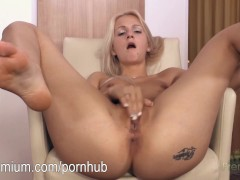 Ashley Love masturbating her sexy wet pussy