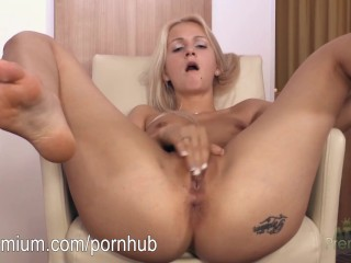 Ashley Love masturbating her sexy wet pussy - Title on the code