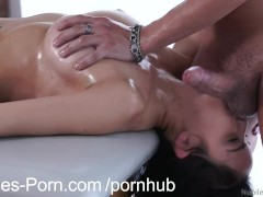 Nubiles Porn – Erotic massage leads to squirting orgasm