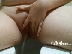 Pissing in toilet & wiping my pussy
