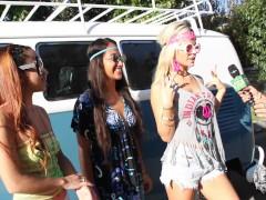 Money Talks – Sexy hippie bus