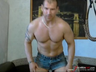 MuscleDaddy on JockMenLive