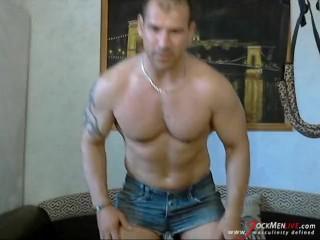 MuscleDaddy on JockMenLive