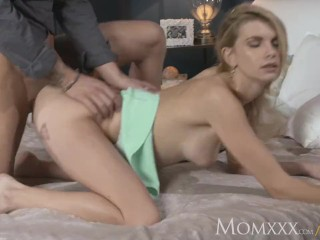 MOM Horny housewife gets the pussy pounding she craves