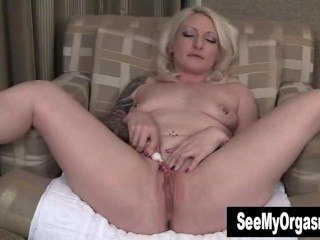 Sexy Olivia Vibrating Her Cunt