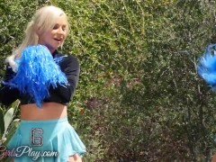 When Girls play – Hot lesbian cheerleaders