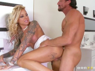 Brazzers - Britney Shannon get double stuffed by security