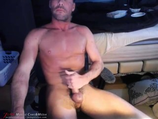 Muscle man Jay Codi Jerks Off on JockMenLive