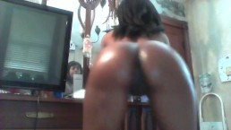Mature euro MILF fills her tight asshole with big dildo | VideosFap.com