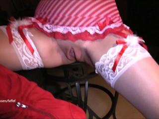 Mamma hot viene sditalinata e scopata il giorno di San Valentino (allerta di squirt in POV)
