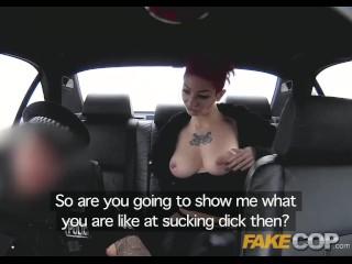 Fake Cop poliziotto viene sui suoi tatuaggi e tette