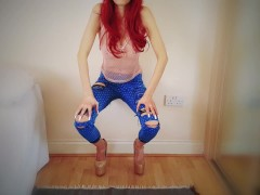 Stunning Amateur Lola Wolfe dances in heels, ripped jeans and hot pink top!