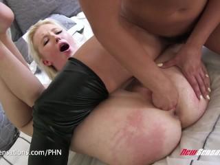 Adriana Chechik & Samantha Rone sesso lesbico