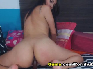 Asian Babe Toys her Pussy Until she Orgasms
