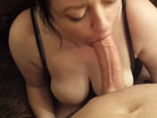 BUSTY WIFE DEEPTHROAT BLOWJOB GAGGING FOR HUGE FACIAL CUMSHOT! POV!
