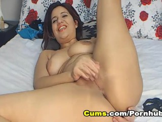 Busty Babe Fingering her Pussy On Cam