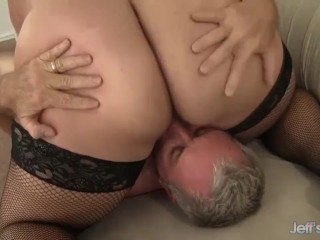 Cute BBW Jade Rose gets pussy filled with cock.