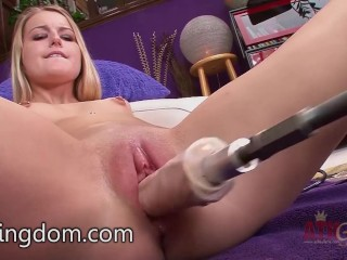 Scarlett Sage trying the fuck machine
