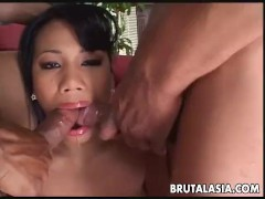 Thai bitch is a sizzler fucking with two hard cocks