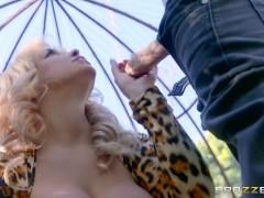 Brazzers – Hot Milf Alyssa Lynn is an animal