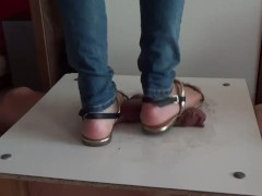 Cumshot under sandals of the goddess