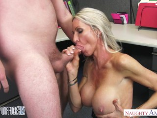 milf emma starr seduce il suo collega - naughty office - naughty america