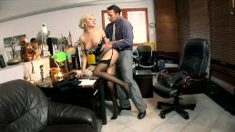 Blonde secretary Donna Bell fu
