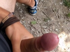 Sporty guy Public Masturbation during his bike trip!
