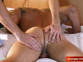 Full video: A innocent str8 male gets serviced his big cock by a guy!