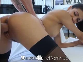 Exotic4K - Sexy scopata della stupenda ragazza latina Veronica Rodriguez