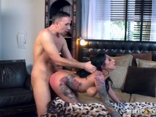 Brazzers - Inked slut Lily Lane loves cock