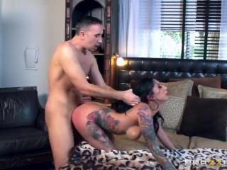 Brazzers - Inked slut Lily Lane loves cock